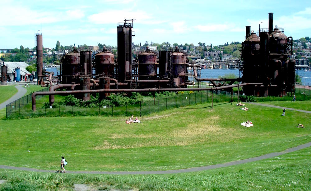 6-things-to-do-in-seattle-washington-for-20-somethings-chill-out-at-gas-works-park