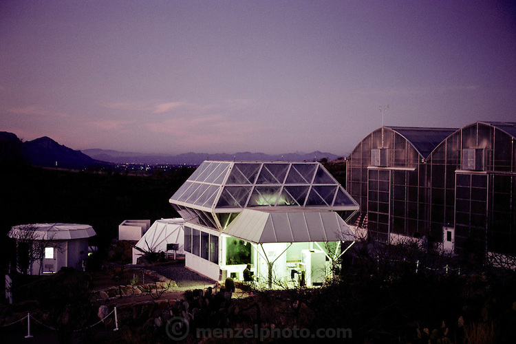 USA_SCI_BIOSPH_46_xs Biosphere 2 Project test module building seen at dawn. The Biosphere was a privately funded experiment, designed to investigate the way in which humans interact with a small self-sufficient ecological environment, and to look at possibilities for future planetary colonization. The $30 million Biosphere covers 2.5 acres near Tucson, Arizona, and was entirely self-contained. The eight ÔBiospherianÕsÕ shared their air- and water- tight world with 3,800 species of plant and animal life over their two-year stay in the building, producing all of their own food and supporting the whole environment in five 'biomes'; agricultural, rain forest, savannah, ocean and marsh. 1989