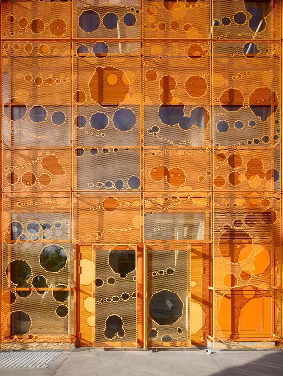 cube-orange10