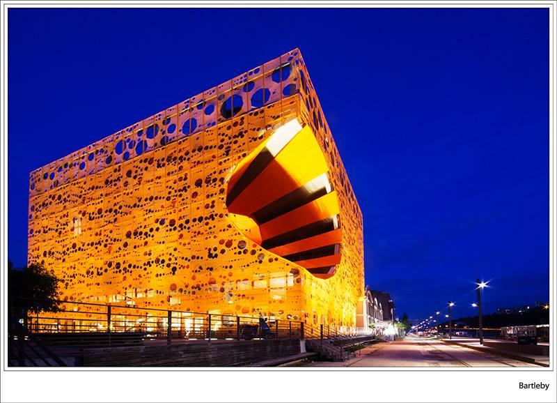 cube-orange16