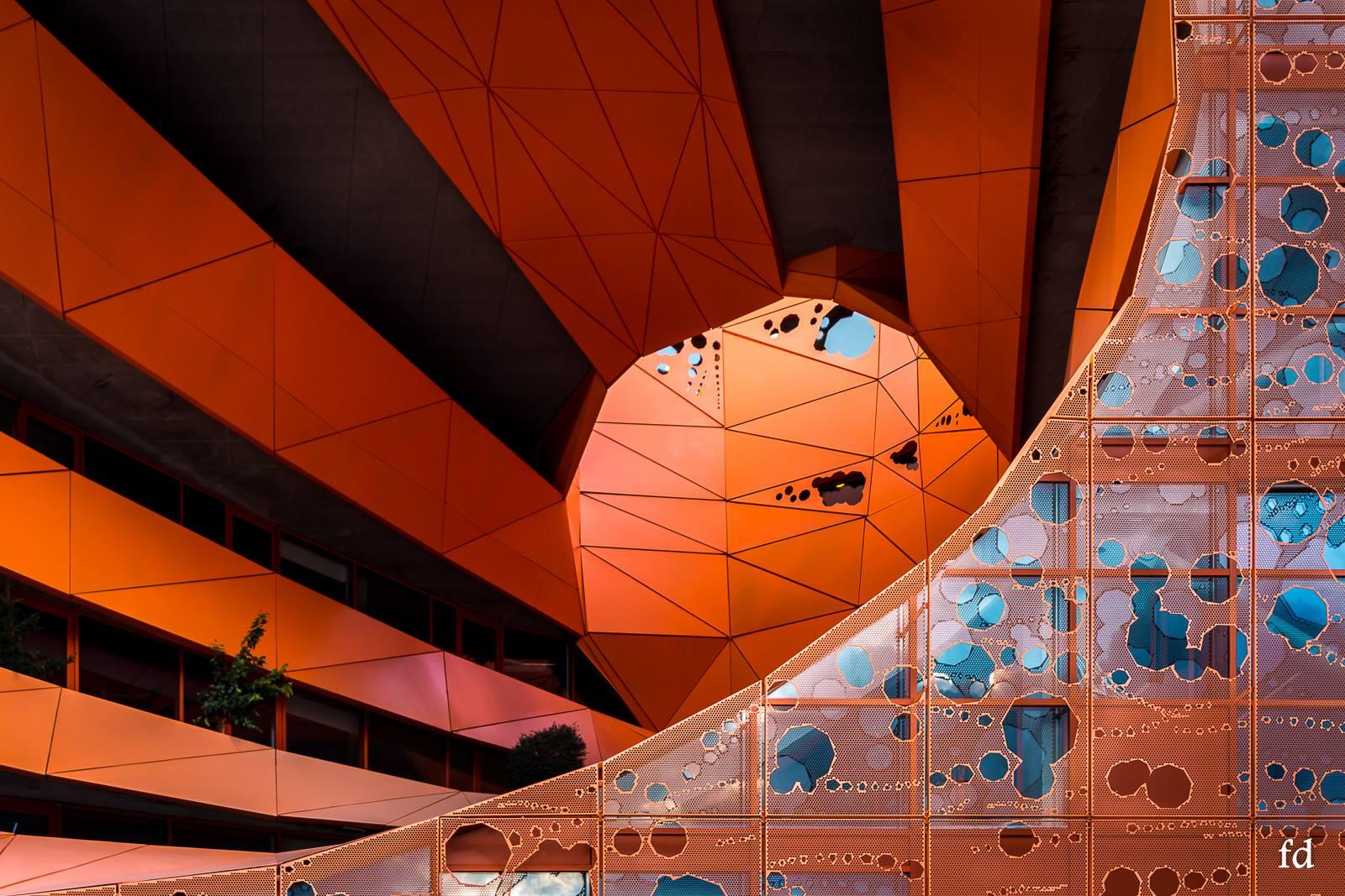 cube-orange18