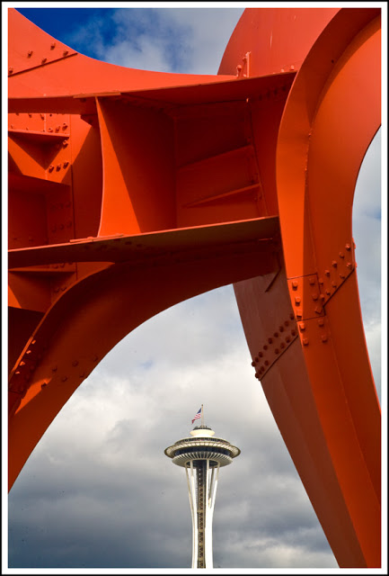 sculpture-and-space-needle-border