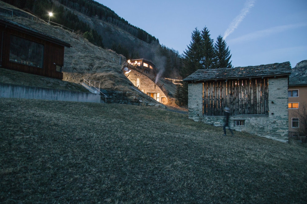 Villa Vals bulle villa vals buried 2009 false switzerland architectes